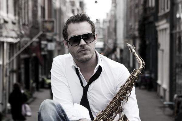 Saxofonist Costar boeken