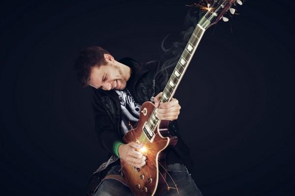 Gitarist Eller van Buuren boeken